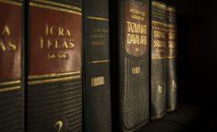 Tłumacz przysięgły – jak nim zostać i co to znaczy?